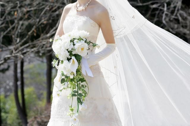 ハワイ挙式で着るウェディングドレス選びと購入費用を公開!レンタルだったらどうなった?